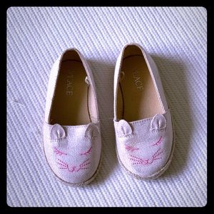 The Children's Place Shoes - The Children's Place Cat Espadrilles size 7 NWT